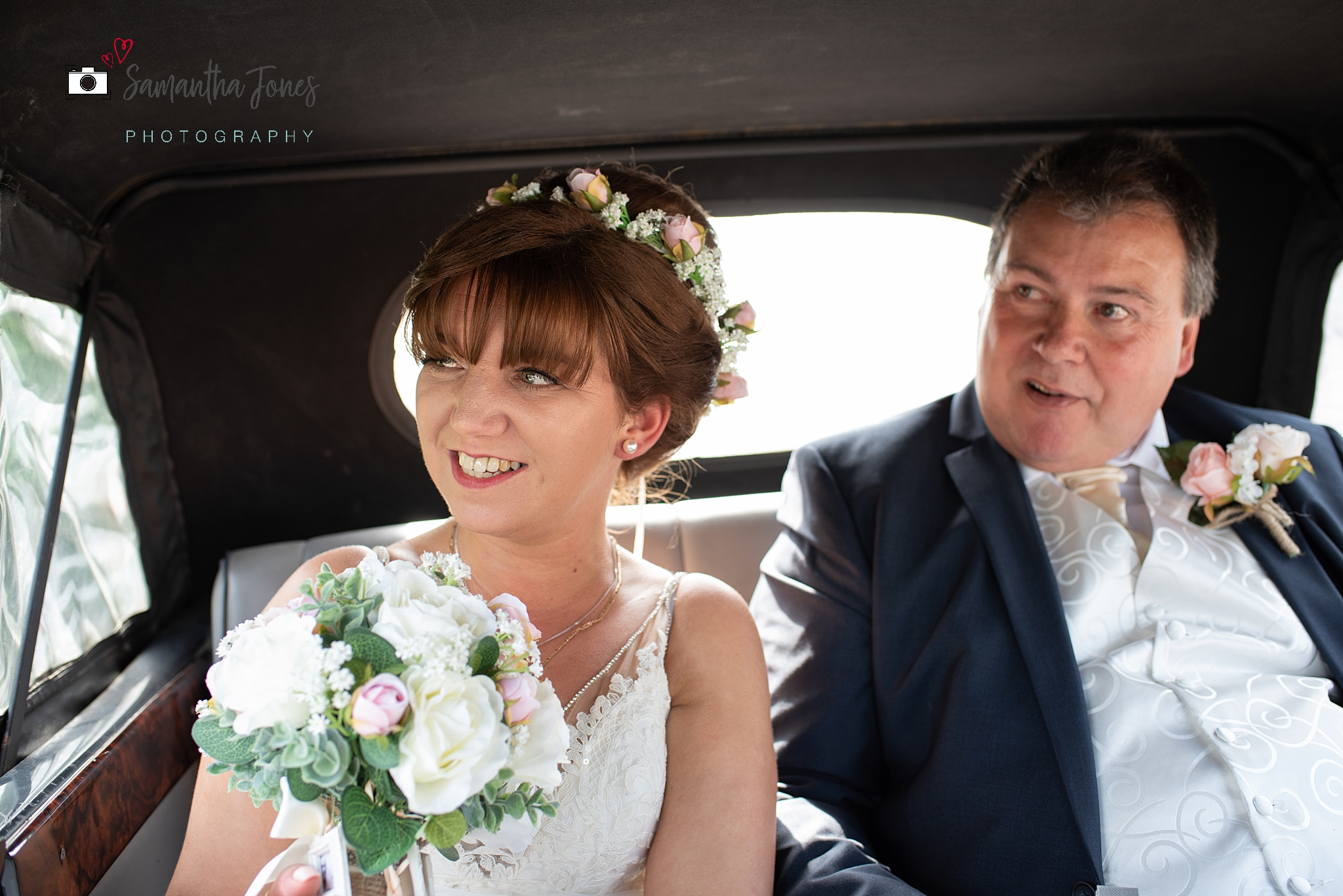 Emma and Chris - a wedding full of sunshine at Stonelees Golf Centre