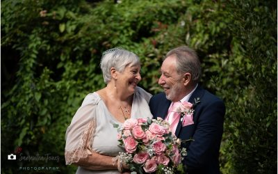 My first wedding of 2020 – Michèle and Mark at the Black Horse